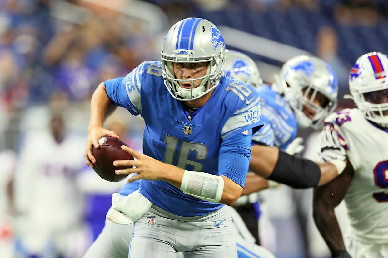 Detroit Lions quarterback Jared Goff (16) carries the ball during a preseason game. (Photo by Amy Lemus/NurPhoto via Getty Images)