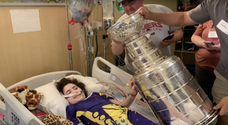 Lord Stanley's mug was quite popular during a recent visit to SSM Health Cardinal Glennon Children's Hospital in St. Louis on Monday. (YouTube//SSM Health Cardinal Glennon Children's Hospital)