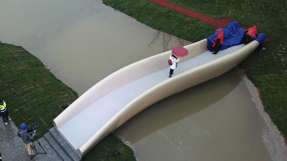 China's first 3D-printed footbridge opens in Shanghai