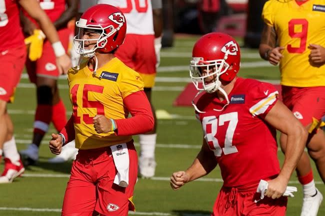 FANTASY PLAYS: Kelce, Kittle lead top tight ends for drafts