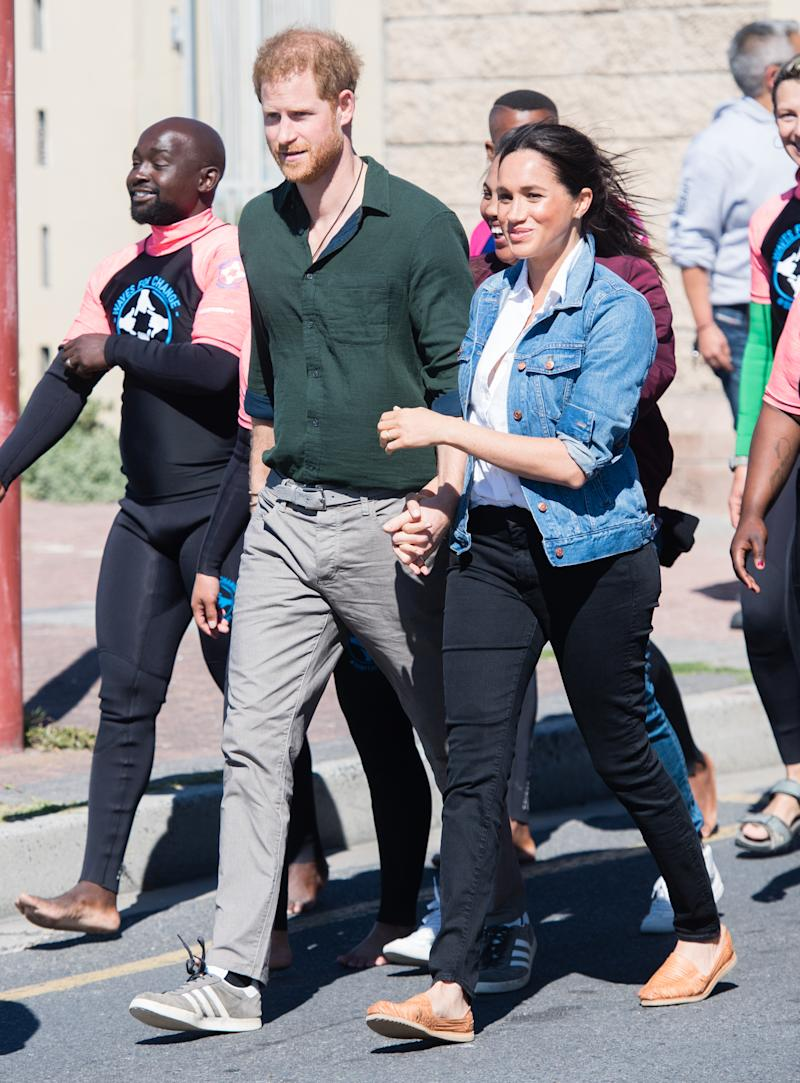 Harry and Meghan walking in South Africa on royal tour