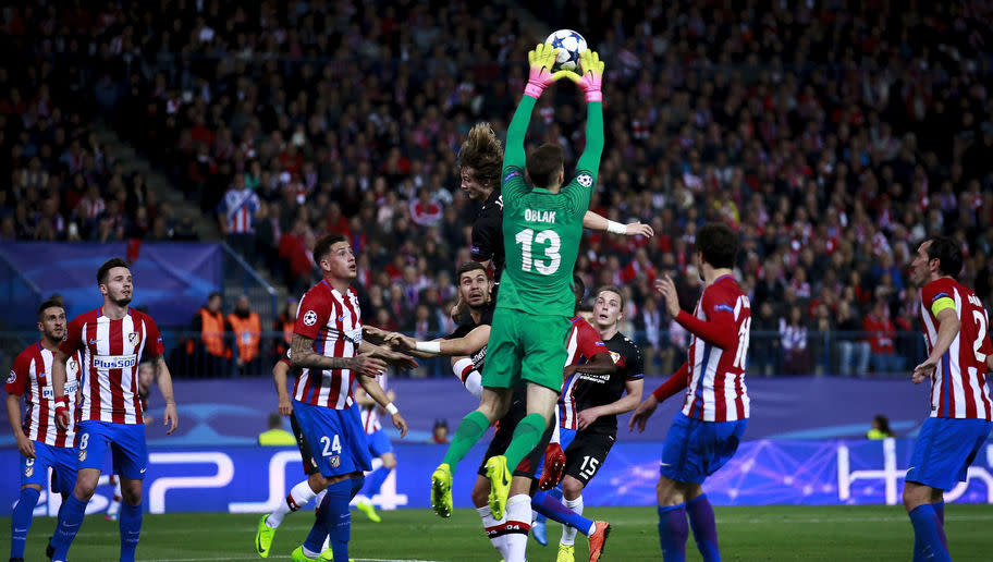 <p>Diego Simeone has based his team on a pretty solid defensive unit. With a back four made of Juanfran, Savic, Godin and Luis, with Oblak in goal, they have one of the best back fives in European football.</p> <br /><p>Proof of that: out of their last 20 UCL games at home, Atlético Madrid managed to keep 17 clean sheets.</p>
