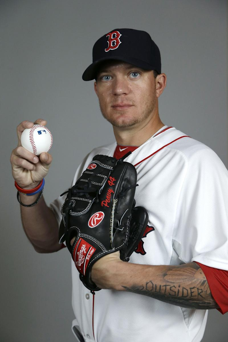 Peavy cuts finger while preparing to fish