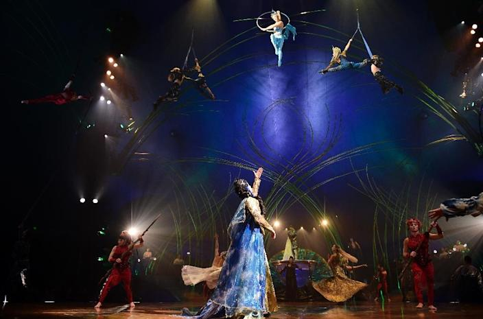 """Cirque du Soleil artists perform during the press preview of their latest show """"Amaluna"""" in Madrid on May 5, 2015 (AFP Photo/Javier Soriano)"""
