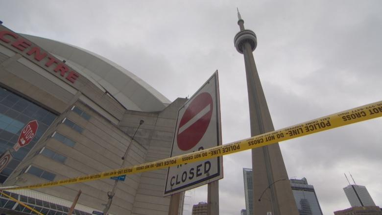 CN Tower, Ripley's Aquarium closed for 5th day over ice concerns