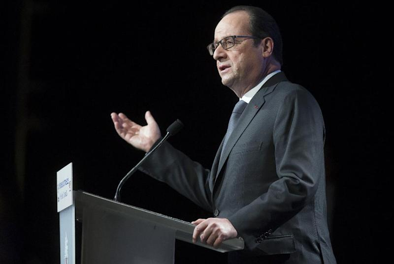 French President Francois Hollande delivers a speech during a visit to the Institut du Monde Arabe, on January 15, 2015 in Paris (AFP Photo/Ian Langsdon)