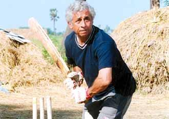 <p>This film reveals the relationship between a deaf and mute boy, Iqbal, played to perfection by Shreyas Talpade, and his coach and mentor Mohit, a former cricketer turned alcoholic, played by Naseeruddin Shah. With the support of Mohit, Iqbal overcomes hardships and realises his dream of playing for the national team. Iqbal won the National Award for the Best Film on Other Social issues. </p>