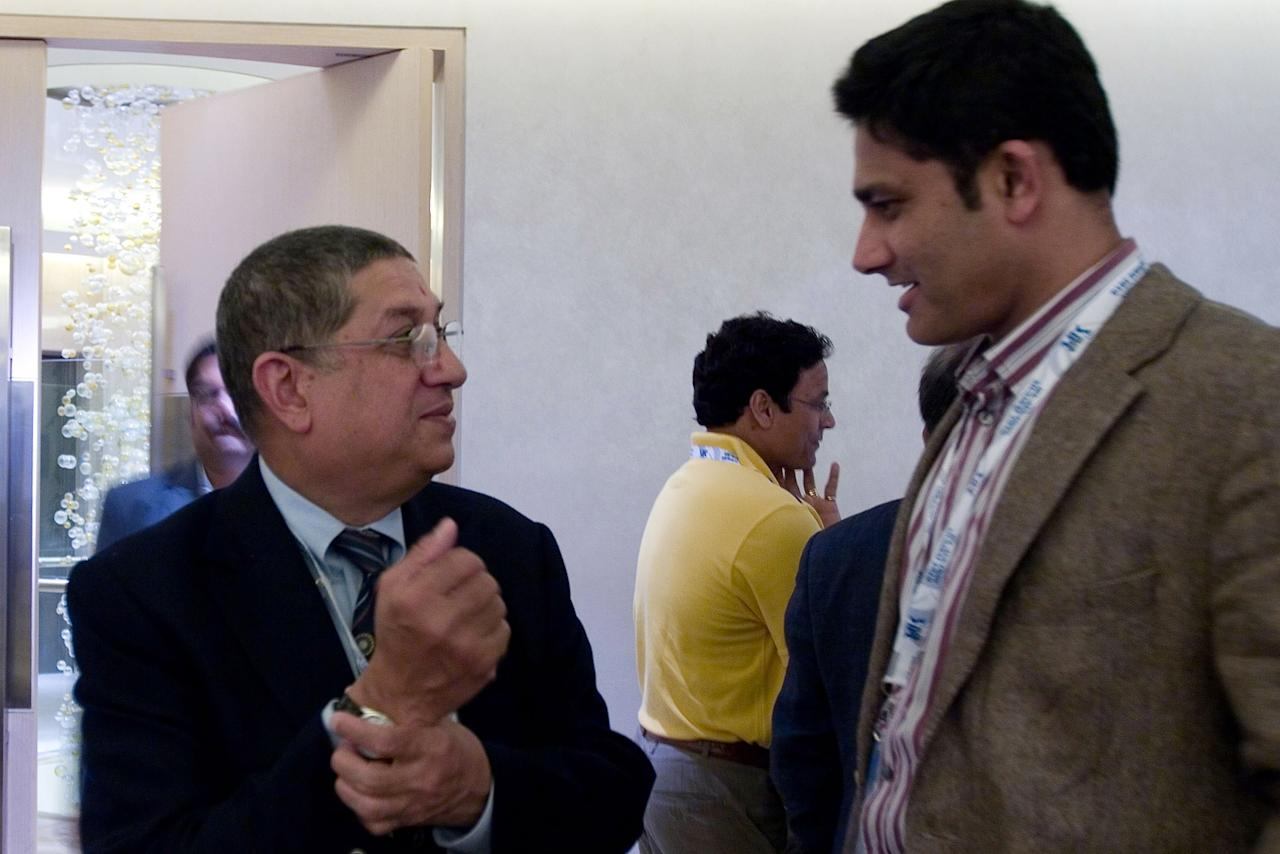 MUMBAI, INDIA - JANUARY 19:  Mr. N Srinivasan (L), BCCI Secretary and owner of Chennai Super Kings team talks with Anil Kumble, Captain of Royal Challengers Bangalore at the Indian Premier League Auction 2010 on January 19, 2010 in Mumbai, India.  (Photo by Ritam Banerjee/Getty Images)