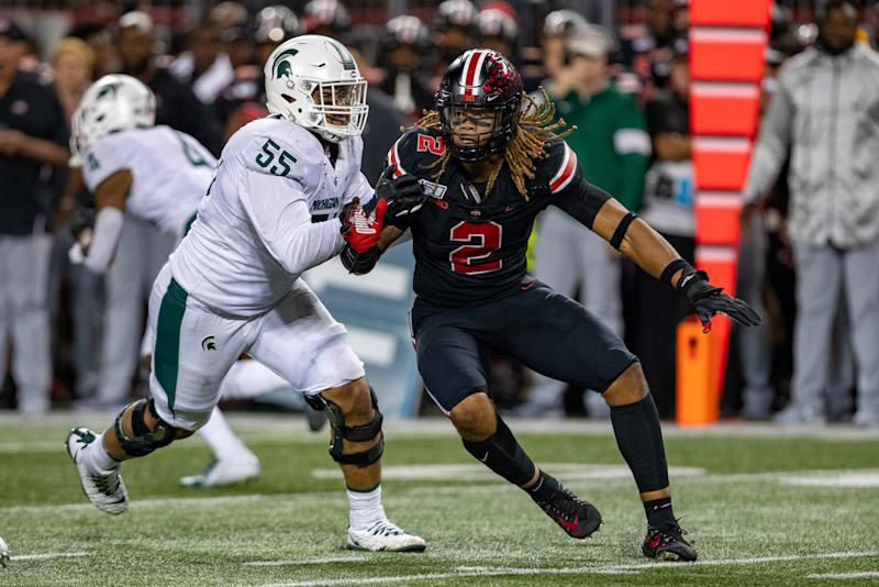Chase Young #2 of the Ohio State Buckeyes rushes against the Michigan State Spartans on Saturday. (Getty)