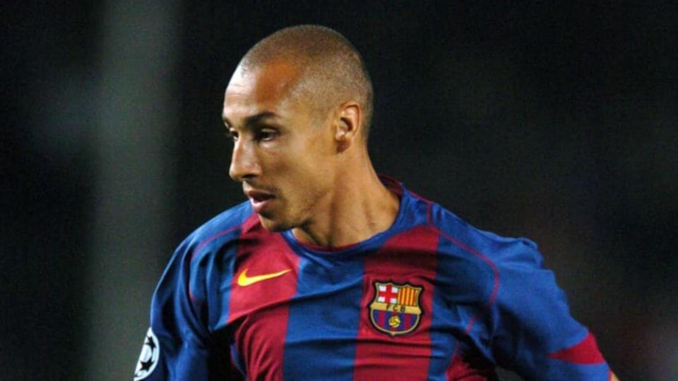 Larsson com a camisa do Barcelona   Etsuo Hara/Getty Images