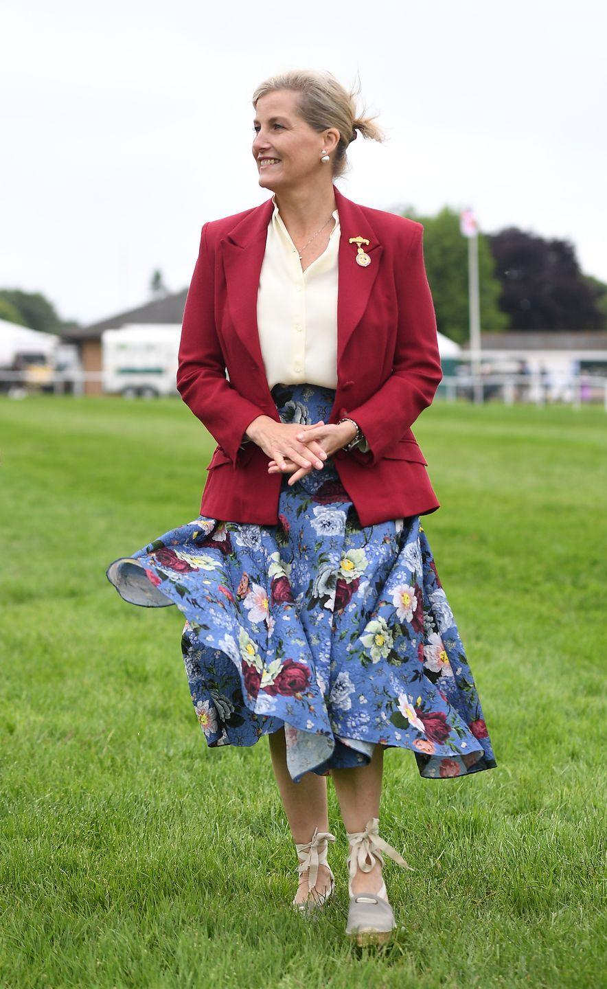 <p>Sophie dressed up her espadrilles even more with a blazer for a visit to the Royal Norfolk Show at Norwich's Norfolk Showground.<br></p>
