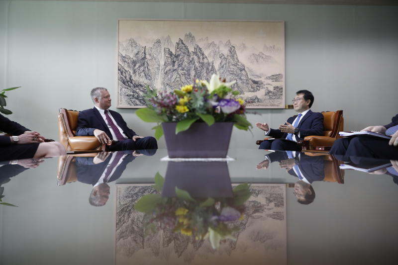 U.S. special envoy for North Korea Stephen Biegun, left, talks with his South Korean counterpart Lee Do-hoon during their meeting at the Foreign Ministry in Seoul, South Korea, Wednesday, Aug. 21, 2019. (Kim Hong-Ji/Pool Photo via AP)