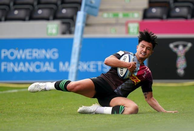 Marcus Smith scores a try for Harlequins