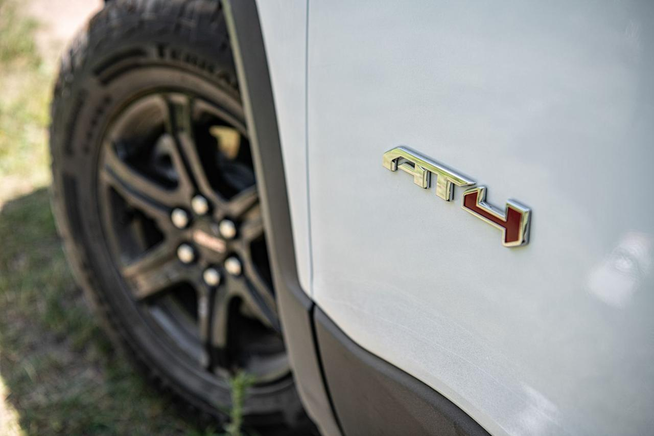 <p>Pricing for the entry-level 2020 GMC Acadia SL starts at $30,995, although securing an AT4 model will set you back at least $43,395. </p>