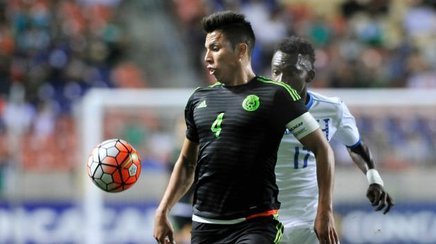 Carlos Salcedo joins Frankfurt on loan from Chivas