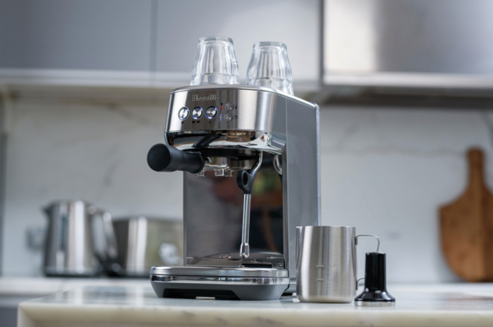Save $110 on this Breville espresso machine from Best Buy Canada (Photo via Best Buy Canada)