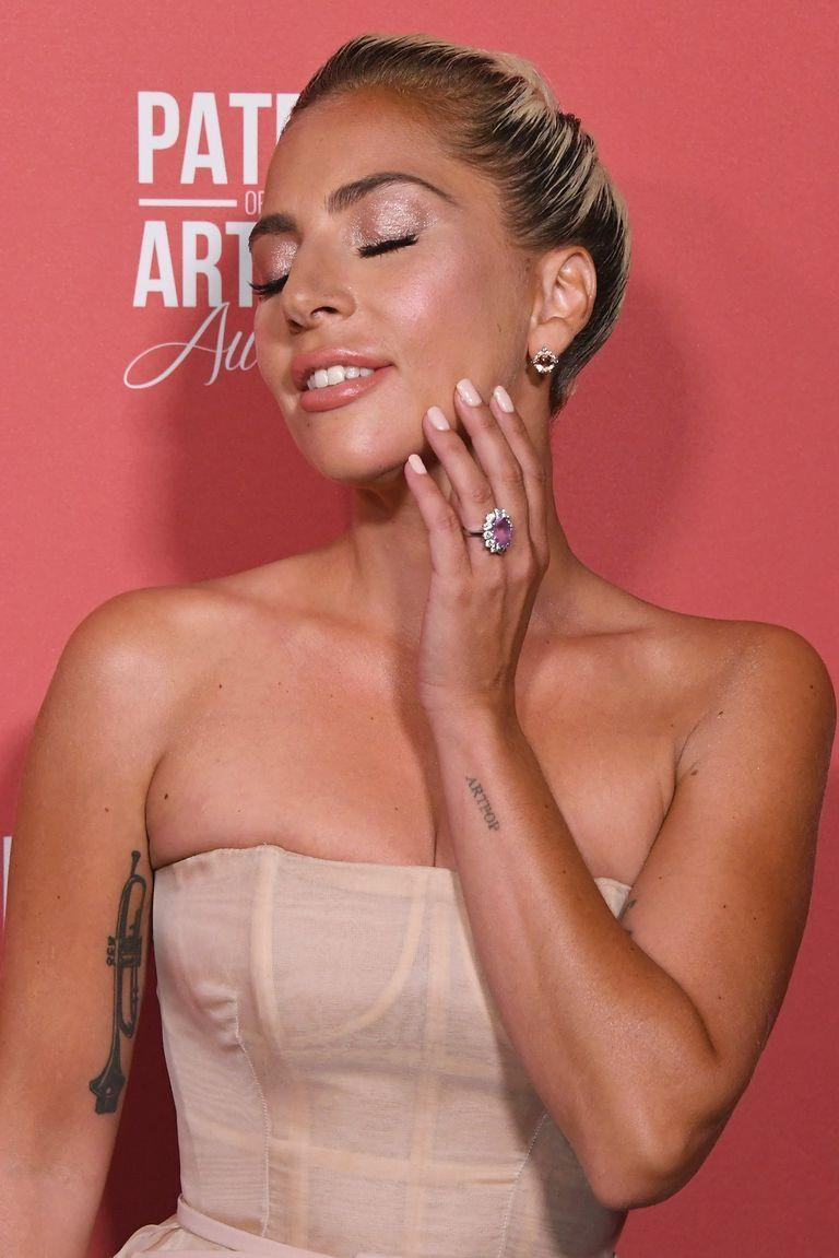 <p>From Lady Gaga's pink sapphire cluster ring to Katy Perry's ruby flower design, it's clear that celebrities love the colored stone trend. </p>