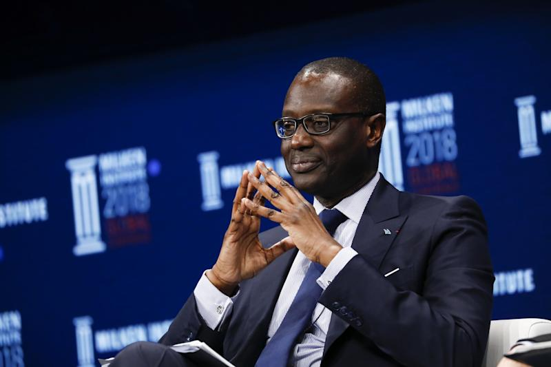 Credit Suisse Boosts Thiam's Pay 30% After Flip to Profit