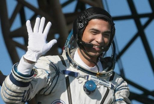 Muszaphar because the first Malaysian in space in 10 October 2007. (AFP Photo)