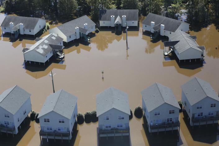 Apartments in Greenville, North Carolina, are seen flooded by Hurricane Matthew on Oct. 11, 2016. (Photo: Nicole Craine / Reuters)