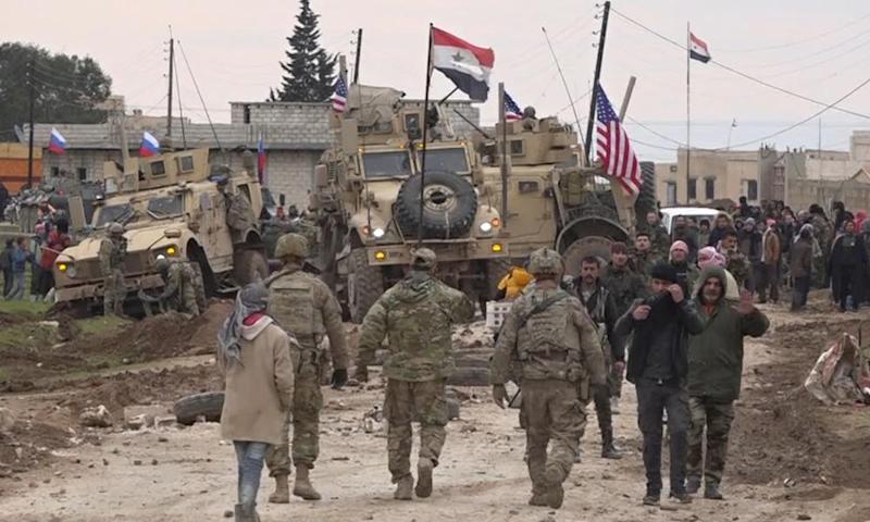 Bogged US convoy in Syria