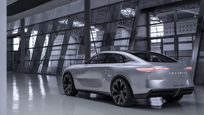 Infiniti is taking a unique approach to electrification, using a highly efficient gasoline-powered motor as a generator to feed go-juice into a battery pack. And it's taken an interesting approach to the sedan, taking advantage of the liberating qualities endemic to electrification, to jack it up and stretch it out.
