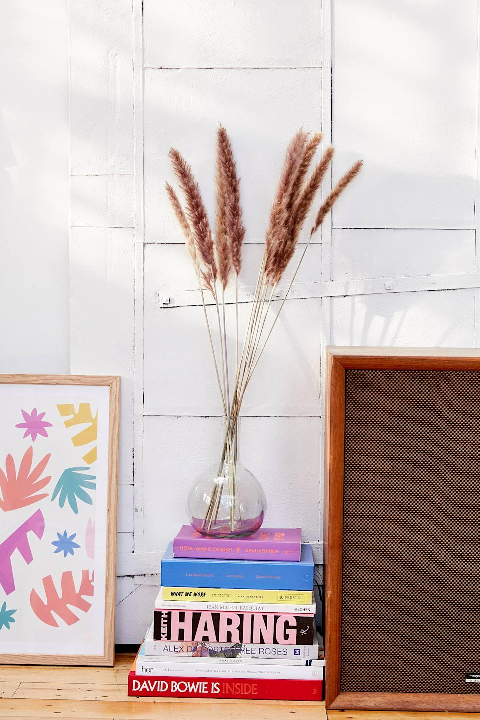 "Sure to get you featured on Instagram, the dried grass and pampas grass trend is still going strong, and for good reason. These beauties instantly liven up a bedroom. <br><br><strong><em><a href=""https://www.urbanoutfitters.com/apartment-room-decor"" rel=""nofollow noopener"" target=""_blank"" data-ylk=""slk:Shop Urban Outfitters"" class=""link rapid-noclick-resp"">Shop Urban Outfitters</a></em></strong><br><br><strong>Urban Outfitters</strong> Dried Fountain Grass Bunch, $, available at <a href=""https://go.skimresources.com/?id=30283X879131&url=https%3A%2F%2Fwww.urbanoutfitters.com%2Fshop%2Fdried-fountain-grass-bunch%3Fcolor%3D111%26type%3DREGULAR%26size%3DONE%2520SIZE%26quantity%3D1"" rel=""nofollow noopener"" target=""_blank"" data-ylk=""slk:Urban Outfitters"" class=""link rapid-noclick-resp"">Urban Outfitters</a>"