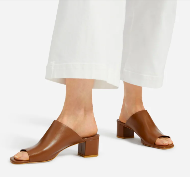 Everlane's Summer Sale has tons of popular shoes at heavy discounts.