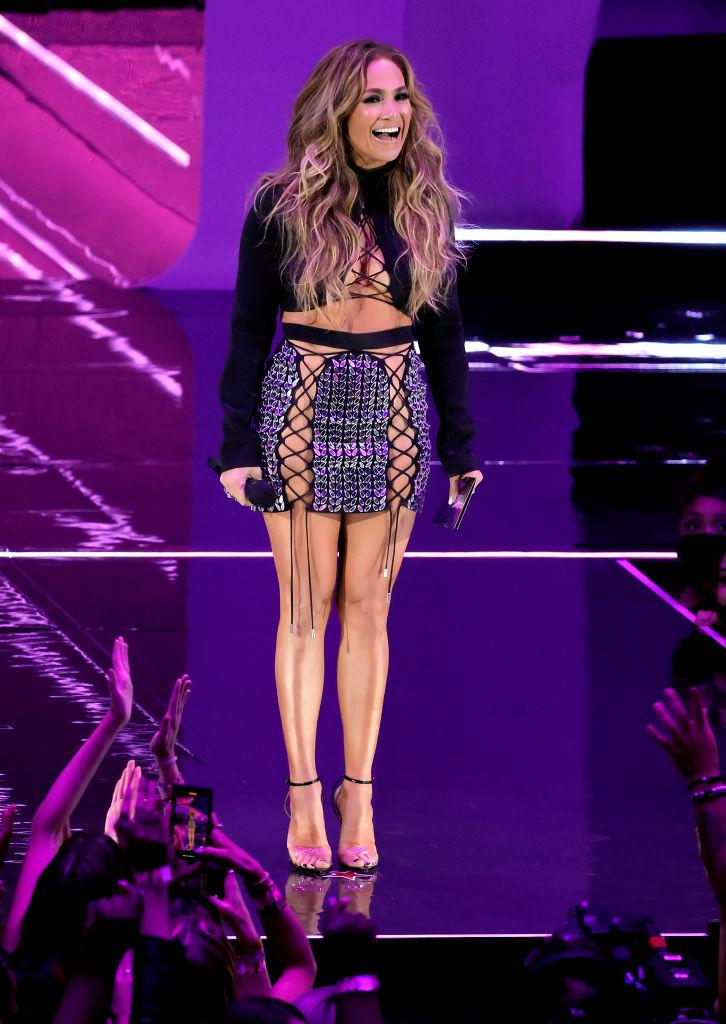 Jennifer Lopez showcased yet another winning awards' outfit at last night's VMAs. (Getty Images)