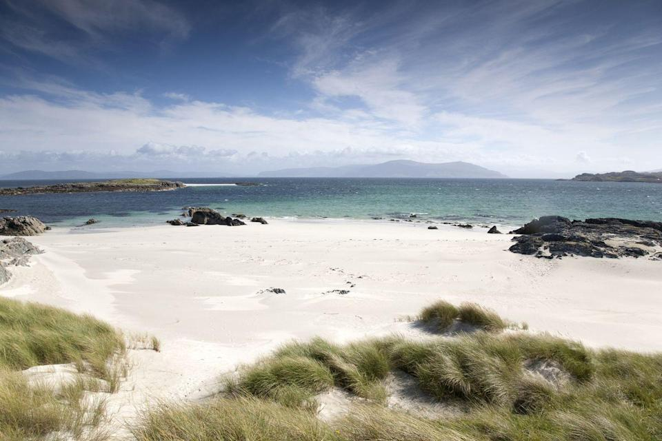 """<p>The white sand and Caribbean-like on the Isle of Iona.</p><p><a class=""""link rapid-noclick-resp"""" href=""""https://www.countrylivingholidays.com/tours/scottish-highlands-islands-luxury-yacht-spring-cruise"""" rel=""""nofollow noopener"""" target=""""_blank"""" data-ylk=""""slk:VISIT IONA BY LUXURY YACHT"""">VISIT IONA BY LUXURY YACHT</a></p>"""