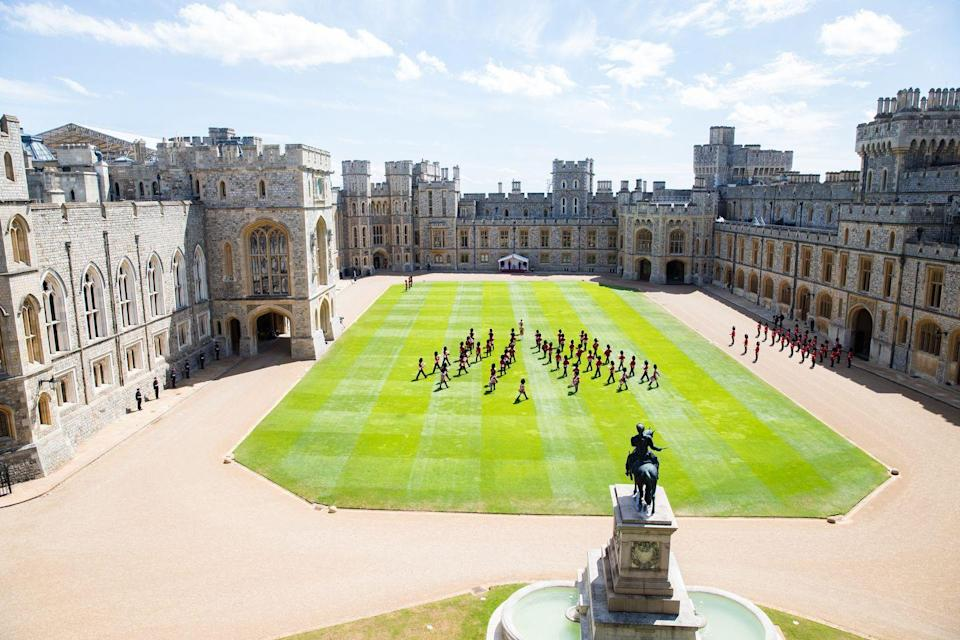 <p>Despite the cancelation of one of the royal family's most prestigious annual events, Windsor Castle was the perfect setting for the queen's small birthday celebration.</p>