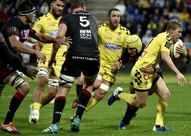 Clermont's Jake McIntyre crossed the 100-point barrier with his tally in the victory over Lyon (AFP Photo/THIERRY ZOCCOLAN)
