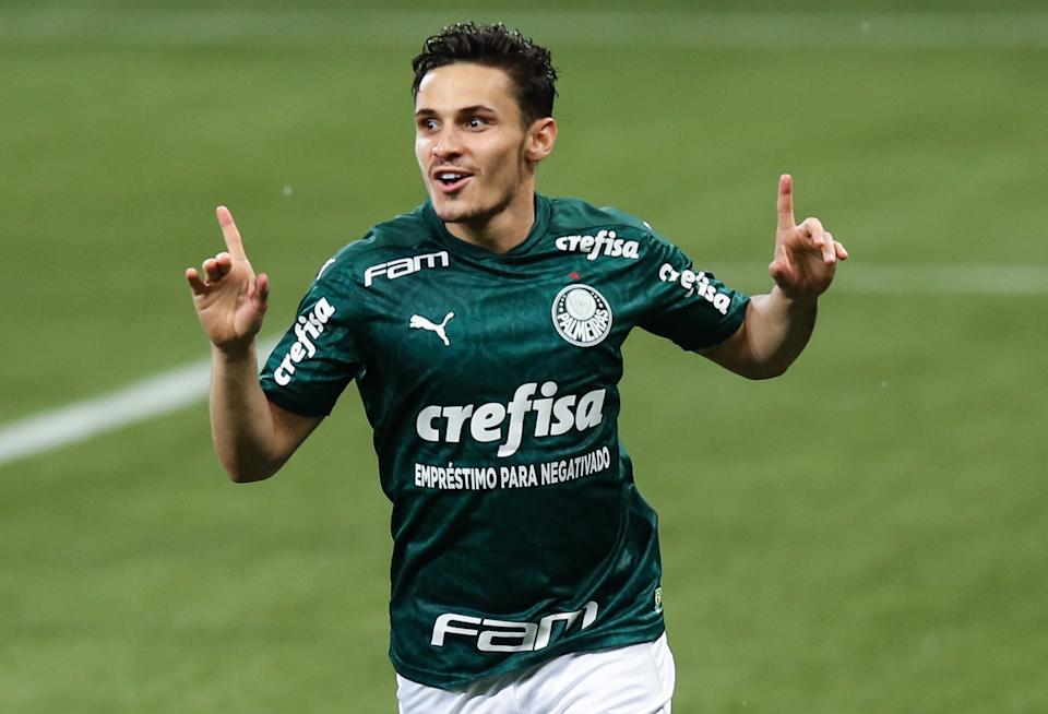 SAO PAULO, BRAZIL - JANUARY 18: Raphael Veiga #23 of Palmeiras celebrates after scoring the third goal of his team during the match against Corinthians as part of Brasileirao Series A 2020 at Allianz Parque on January 18, 2021 in Sao Paulo, Brazil. (Photo by Alexandre Schneider/Getty Images)