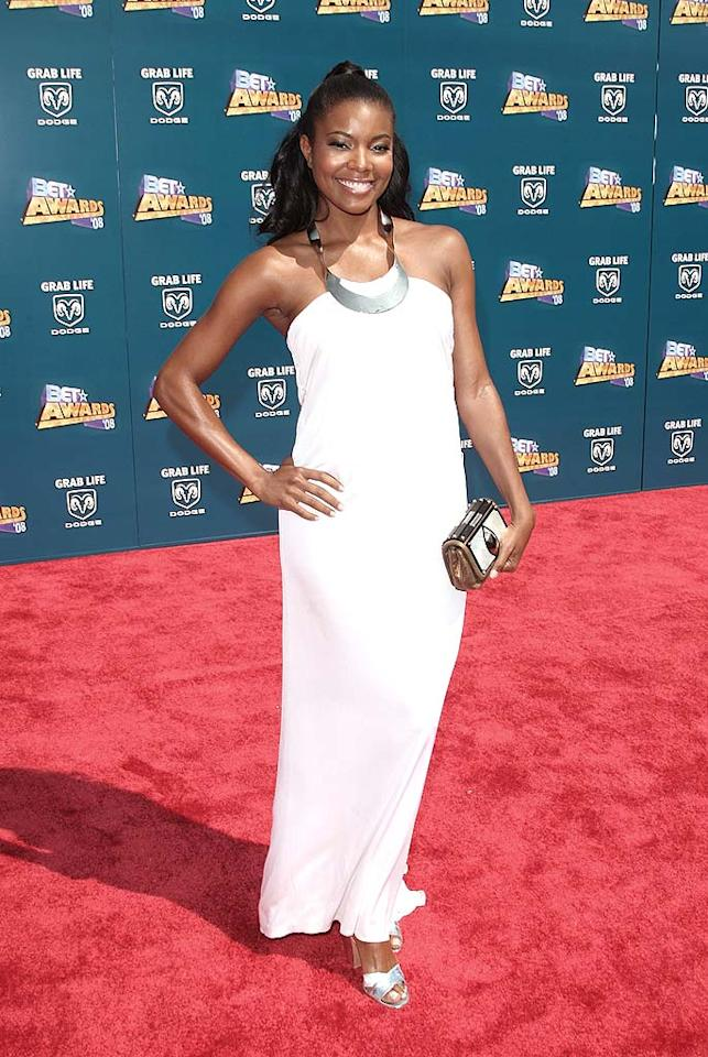 "Gabrielle Union looks like a goddess in her white gown. Jason Merritt/<a href=""http://www.filmmagic.com/"" target=""new"">FilmMagic.com</a> - June 24, 2008"