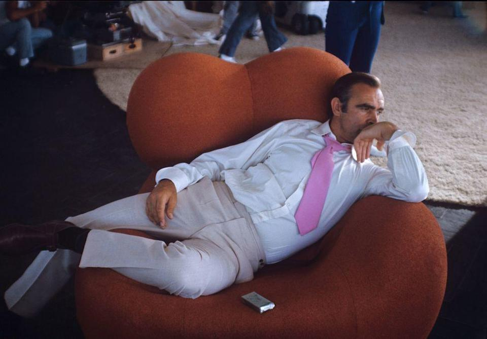 <p>Relaxing again on the set of <em>Diamonds Are Forever</em>. </p>