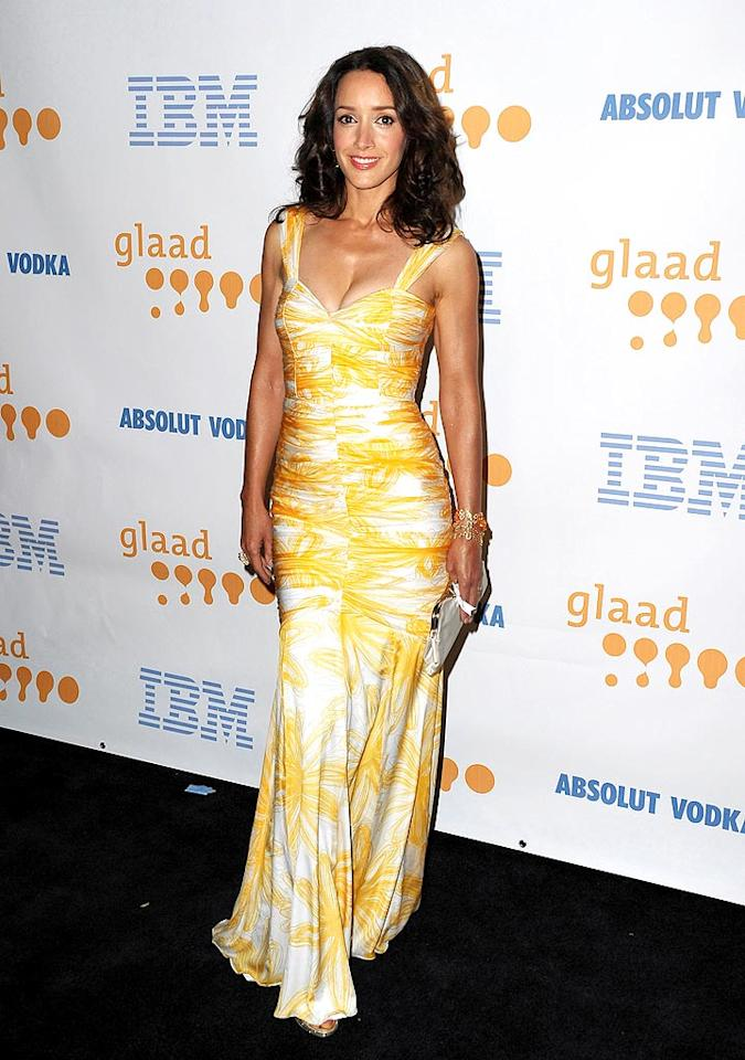 """L Word"" alum Jennifer Beals looked absolutely yummy in a yellow-and-white David Meister mermaid gown at the 20th Annual GLAAD Media Awards. Jordan Strauss/<a href=""http://www.wireimage.com"" target=""new"">WireImage.com</a> - April 18, 2009"