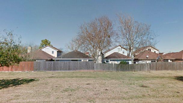PHOTO: In this screen grab from Google Maps, houses in Lake Jackson, Tx. are shown. (Google Maps Street View)