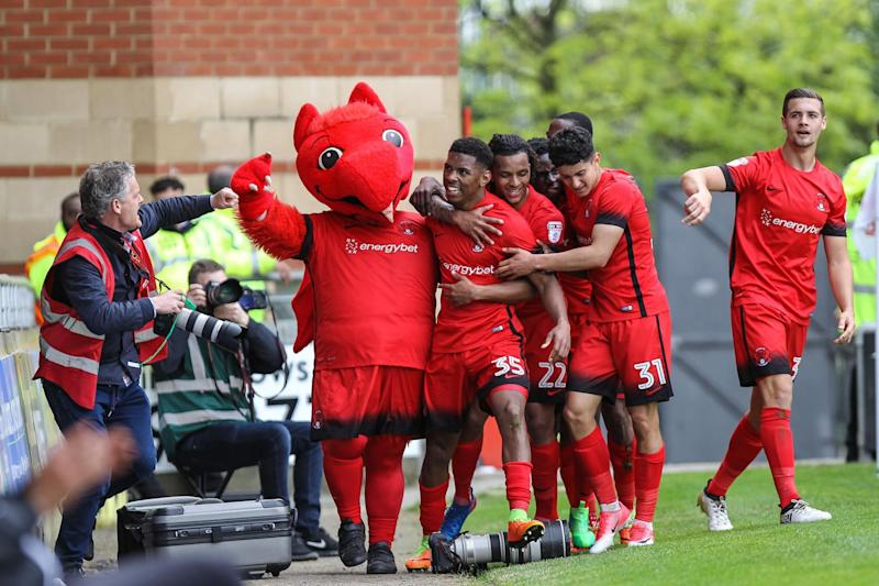 Tristan Abrahams celebrates after scoring Orient's second goal of the game: Andrew Lewis/ProSports/REX