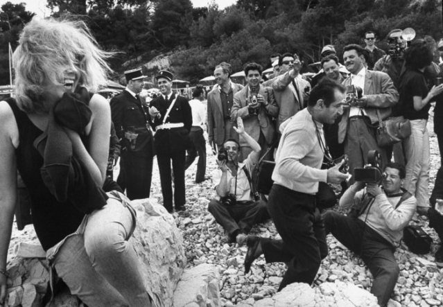 Paul Schutzer—Time & Life Pictures/Getty Images A Dutch actress, her name lost to history, poses for photographers at Cannes in 1962. Read more: https://ec.yimg.com/ec?url=http%3a%2f%2flife.time.com%2fmovies%2fcannes-classic-photos-from-the-glamorous-film-festival-in&t=1524746574&sig=xXXhABQXPiVpySmUZGHNQg--~D
