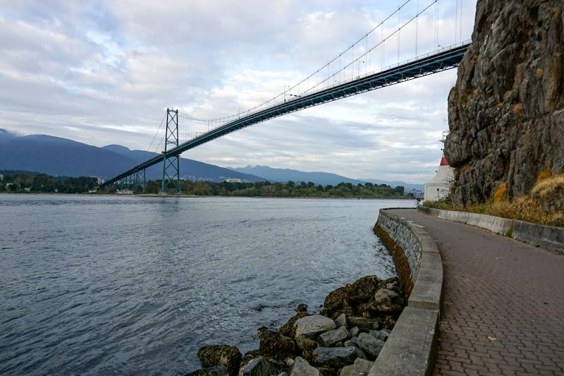 Looking out at the Lion's Gate Bridge from the beautiful seawall of Stanley Park, Canada. (Photo by: Matthew Bailey/VWPics/Universal Images Group via Getty Images)