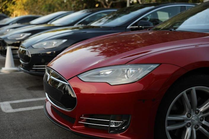 A Tesla vehicle is seen at a dealership on January 03, 2019 in Miami, Florida. (Photo by Joe Raedle/Getty Images)