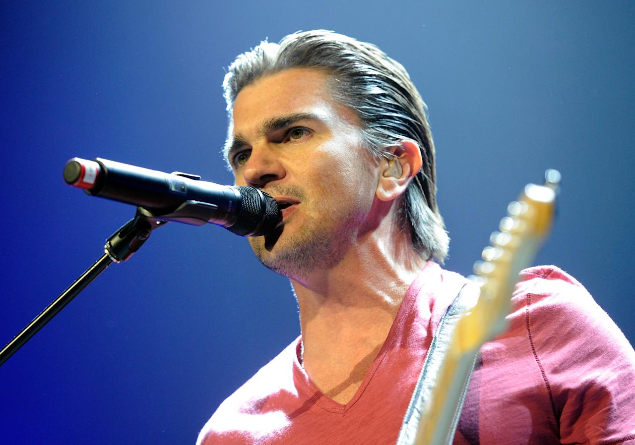 "LAS VEGAS, NV - MARCH 18:  Columbian singer/songwriter Juanes performs at The Joint inside the Hard Rock Hotel & Casino as he tours in support of his latest album,""P.A.R.C.E."" March 18, 2011 in Las Vegas, Nevada.  (Photo by Ethan Miller/Getty Images)"
