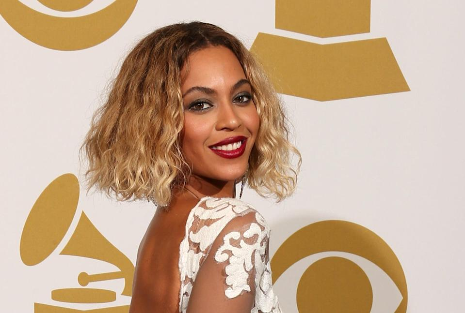 <p>Beyoncé arrived to the Grammys in 2014 with an angular bob haircut with blunt ends. </p>