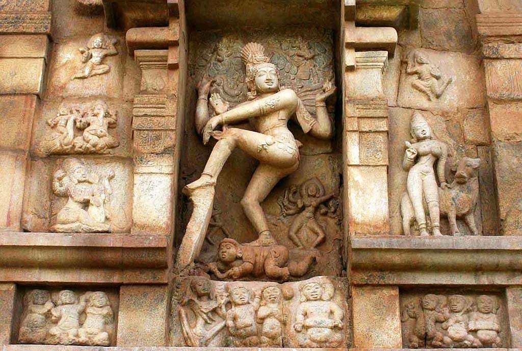 Gangaikonda Cholapuram, Adalvallan. The sculpture of Adalvallan (Lord Nataraja) dancing along with Kali and Bhringimuni attended by ganas and Karaikkal Ammaiyar playing cymbals, is one of the masterpieces of Chola architectural excellence.