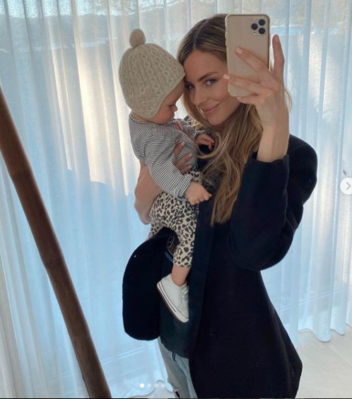 A sweet snap of Jennifer Hawkins with baby Frankie had fans doing a double take. Photo: Getty Images