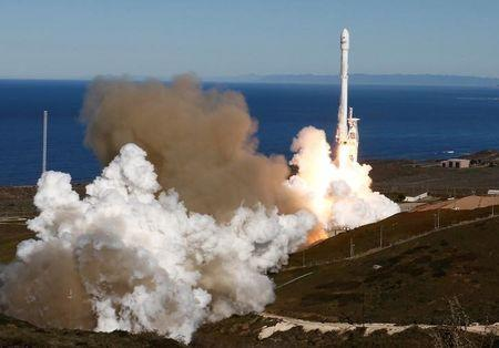 SpaceX Edges Closer To Weekend Launch