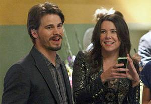 """Jason Ritter and Lauren Graham have eyes for each other on """"Parenthood"""" (Trae Patton/NBC)"""