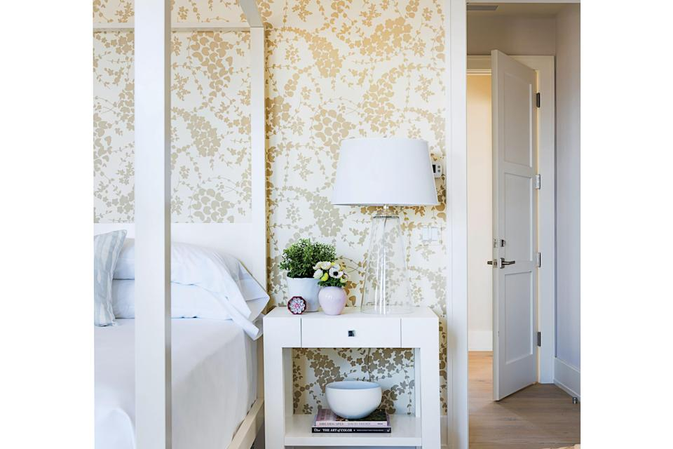 <p>Muted hues + bold, lively patterns = bedroom gold. Design by Cynthia Hayes.</p>