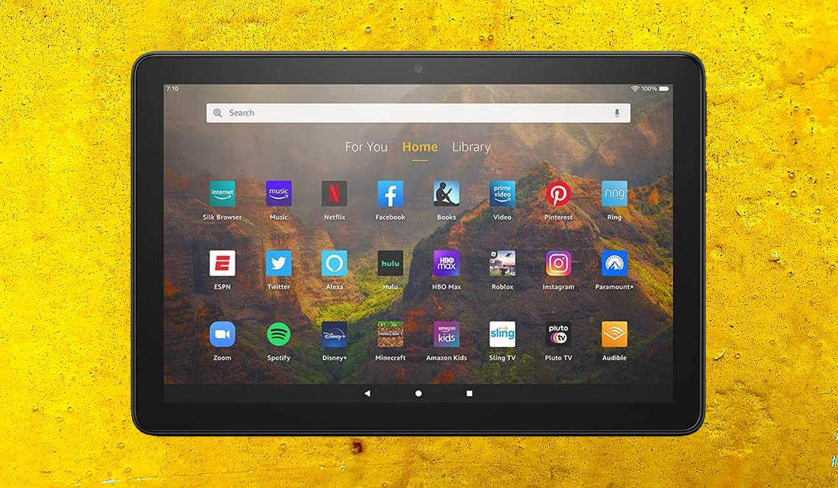 Watch your fingers around this scorching deal: The Fire HD 10 tablet is down to just $100 on Amazon! (Photo: Amazon)