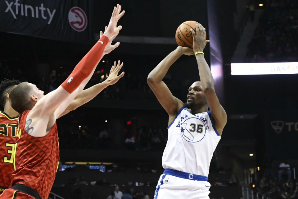 Kevin Durant is still doing what he does best for the Warriors. (AP)